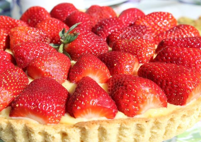 strawberry tart extreme close up